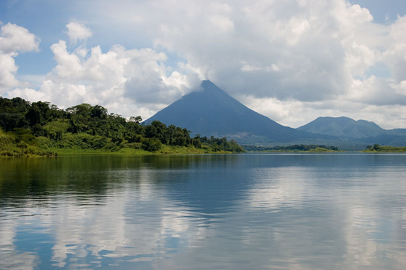 lake arenal Johnathan Touttret