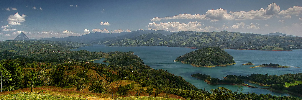 lake arenal Tan Yilmaz